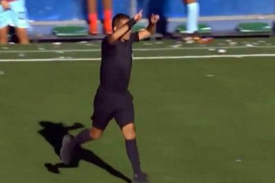 VIDEO | VAR para Bolivia: árbitro cobra penal con sistema que no existe en el país