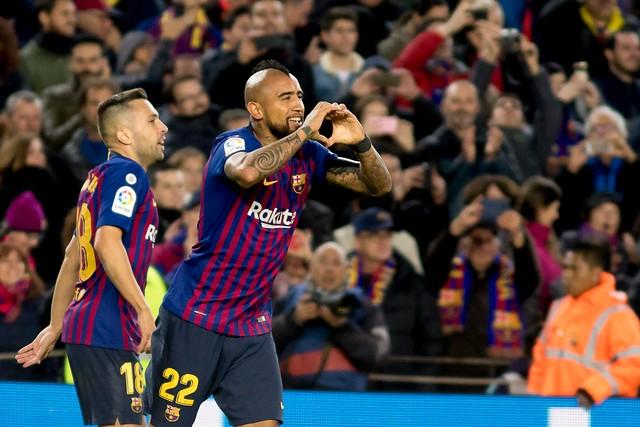 VIDEO | Vidal ingresó y a los tres minutos metió un gol por el Barcelona