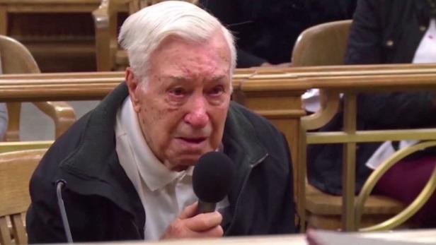 La sentencia de un anciano de 96 años que emociona a las redes sociales