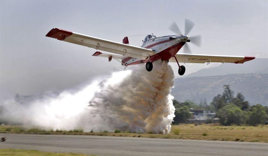 """""""El pequeño avión enviado por Chile para combatir el incendio en la Amazonía"""""""