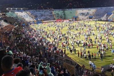 Tragedia en Honduras: incidentes entre barristas en el estadio dejaron cuatro muertos