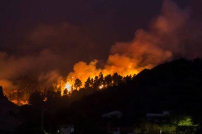 Incontrolable incendio forestal en Gran Canaria: 9.000 personas evacuadas y 6.000 hectáreas devoradas