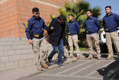 Detienen a 10 personas por emisión de pasaportes falsos