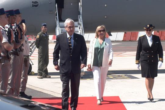 Piñera ya está en Francia para la Cumbre del G7