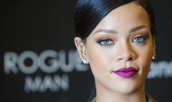 """""""Rihanna critica a Trump por tiroteos:"""