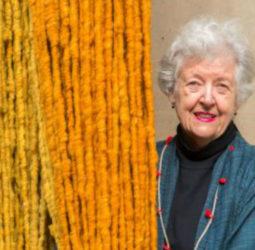 Sheila Hicks en Chile: Cruzando hilos y memoria