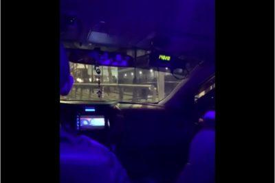 Denuncian a taxista que manipuló taxímetro para estafar a extranjeras