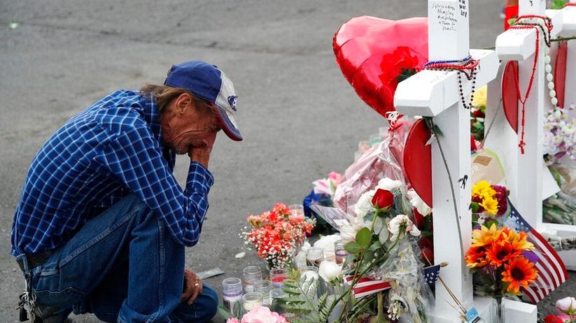 """""""Viudo de víctima de matanza en El Paso realizará un funeral abierto, porque no tiene más familia"""""""