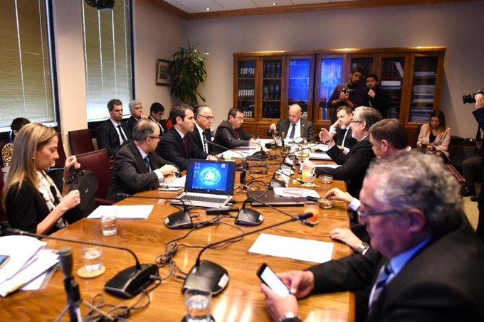 Comisión de RR.EE. del Senado firma protocolo para aprobar TPP-11