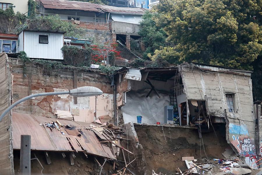 """""""Las causas que podrían haber provocado el derrumbe en Valparaíso"""""""