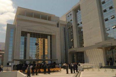 Balacera se registró en el frontis de los tribunales de Iquique