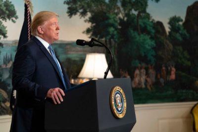 Trump negará residencia definitiva a inmigrantes que reciban ayuda social