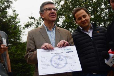 Suprema le da la razón a Lavín y su ordenanza contra fumadores en Las Condes