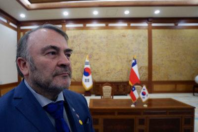 """Pepe Auth acusó """"presiones"""" entre partidos por acusación constitucional a ministra Cubillos"""