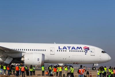 Latam y American Airlines fueron demandadas en EE.UU. por usar aeropuerto de Cuba