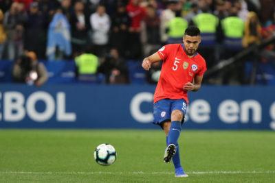 Paulo Díaz es el capitán de la Roja en amistoso ante Honduras