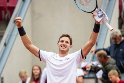 Tenis: Jarry superó en dos sets a Garín en exhibición en el Arena Monticello