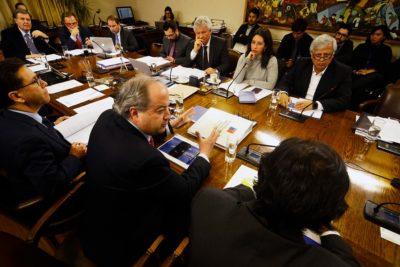 Oposición logra acuerdo por 40 horas con gradualidad de cinco años para las pymes