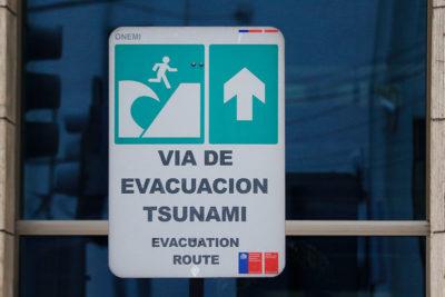 Alcalde se querella por falsa alerta de tsunami tras sismo en Constitución