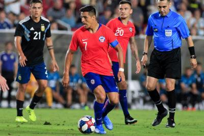 Alzas y bajas: así se movieron los jugadores chilenos en la calificación del FIFA 20