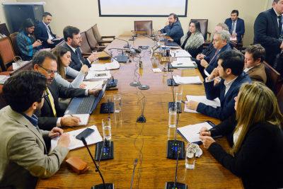 No llegó ningún invitado: comisión que analiza acusación contra Cubillos suspendió sesión