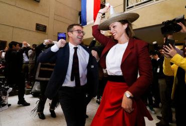 La paya dieciochera que reveló la relación entre los diputados Loreto Carvajal y Gabriel Silber