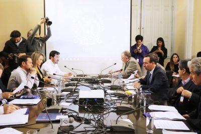 Correa Sutil pidió desechar cuatro de los capítulos de la acusación contra Cubillos