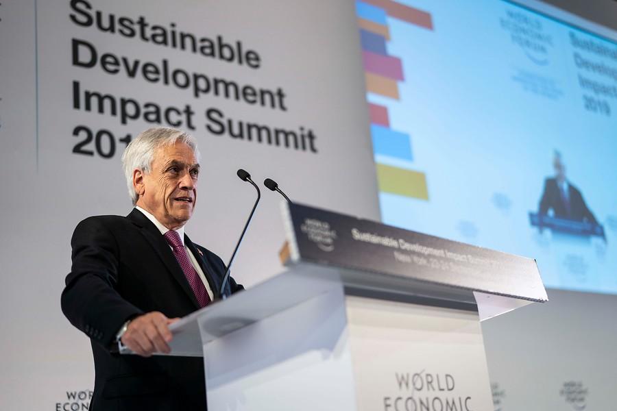 """Sebastian Piñera: """"Hay algunos trogloditas que no reconocen el cambio climático"""""""