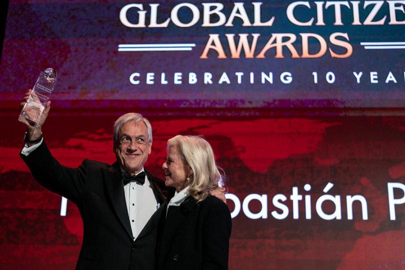 Piñera recibe premio por el cuidado del medio ambiente, pese a cuestionamientos