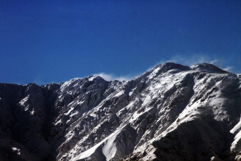 Avalancha en Los Andes deja un excursionista desaparecido y cinco aislados