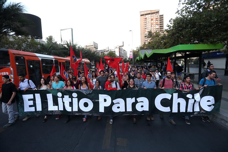 """""""Comisión de Constitución declara inconstitucional proyecto por el litio"""""""