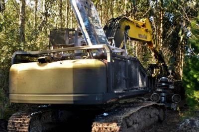 La Araucanía: nuevo ataque incendiario dejó 8 vehículos quemados