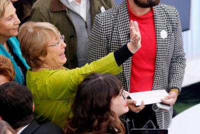 """Bachelet recibe premio HRC: """"Va en nombre de todas las mujeres y niñas"""""""