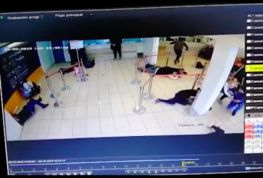 Cámara de seguridad grabó violento asalto en ServiEstado