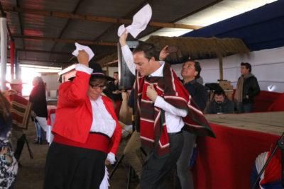 """Ministro de Bienes Nacionales asistió a inauguración de la fonda """"No te hagay la vístima"""""""