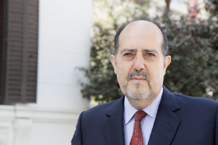 """Héctor Sánchez, UNAB: """"El gasto en salud se ha duplicado, pero la percepción de calidad del sistema no ha mejorado"""""""