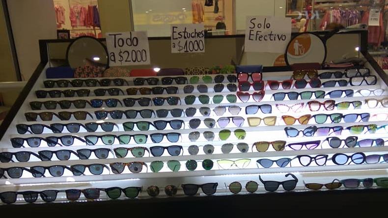 Cadena de lentes de sol anuncia el cierre de todas sus sucursales a lo largo de Chile