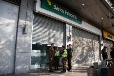 Estación Central: Mall Plaza Alameda fue evacuado tras intento de robo en sucursal bancaria