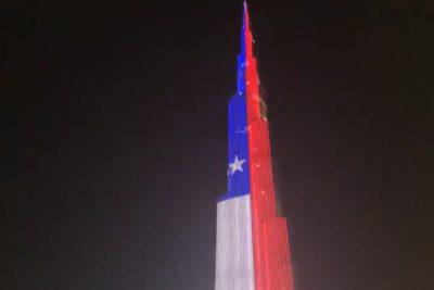 Edificio más alto del mundo en Dubái homenajea bandera chilena por fiestas patrias