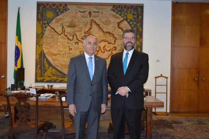 Canciller Ribera se reúne con su par de Brasil pero omiten ataques de Bolsonaro a Bachelet