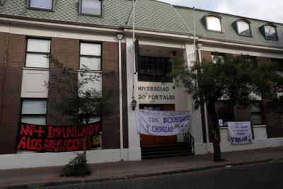 Estudiantes de la UDP inician huelga de hambre: critican protocolo de denuncia por acoso sexual