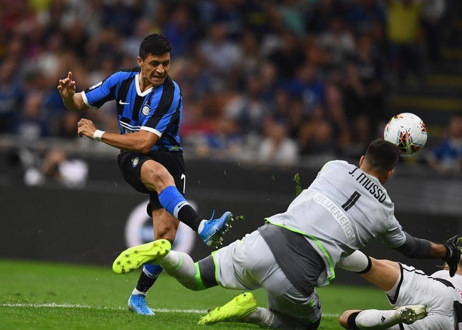 Alexis entra en los últimos minutos durante la victoria de Inter