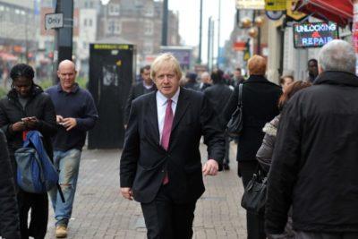 Periodista acusa a Boris Johnson de haberla manoseado cuando ella dirigía una revista