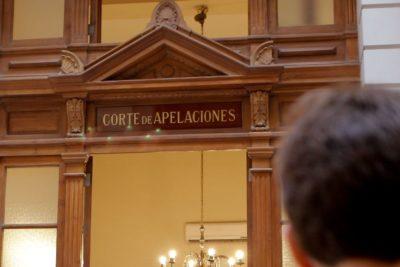 Corte de Santiago suspende a juez que fue descubierto portando cocaína