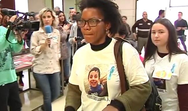 Comienza juicio contra madrastra que mató a niño en España: lo dejó agonizar más de una hora