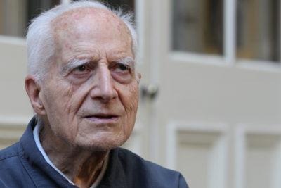 """A los 102 años de edad falleció José Aldunate, el """"cura obrero"""""""