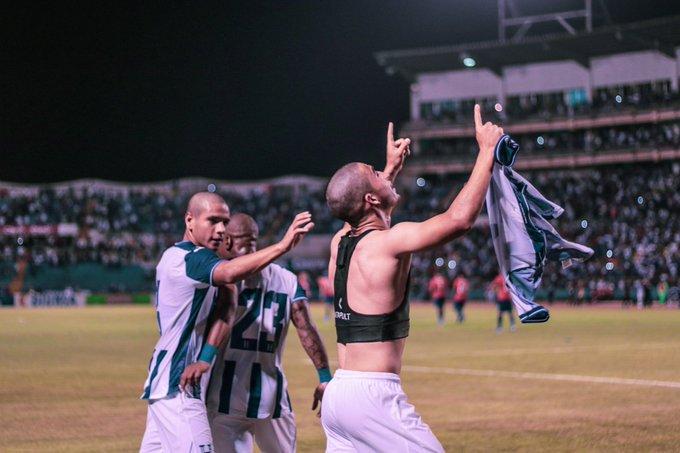 """Delantero de Honduras: """"Quedé pensando 'le metí un gol a Claudio Bravo'"""""""