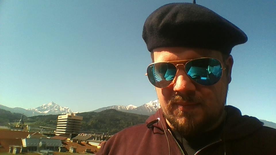 """""""Johannes Kaiser, el youtuber que pagó parte del polémico inserto en El Mercurio"""""""