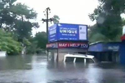 India: Intensas lluvias dejan 130 muertos y miles de afectados