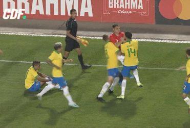 La pelea en el amistoso entre Chile y Brasil